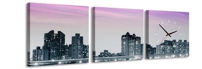 New York bij nacht - Canvas Schilderij Klok Vierkanten